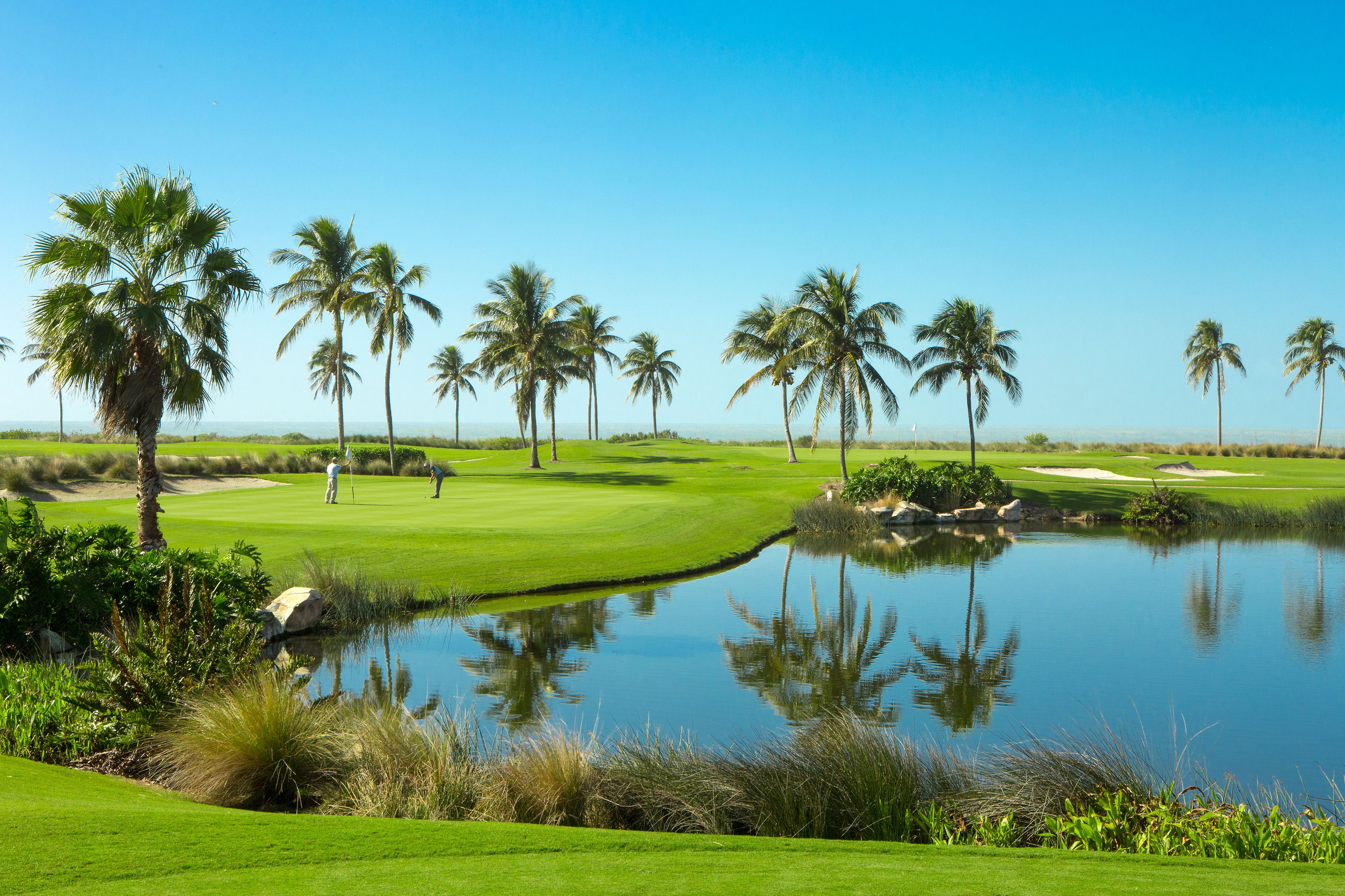 A stunning golf course in South Seas.